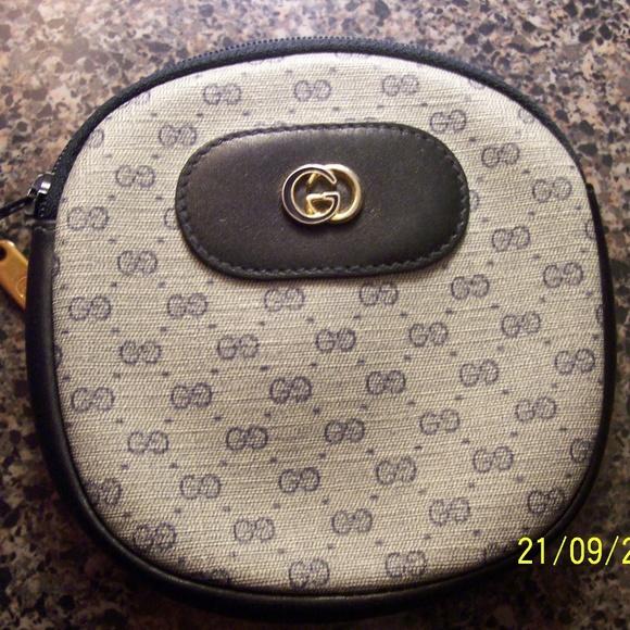 GUCCI Handbags - VINTAGE GUCCI BLUE COIN CHANGE PURSE BEAUTIFUL CON